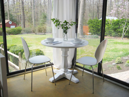 How To Make (& Paint) A Pedestal Table