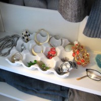 Two Ways To Store Jewelry