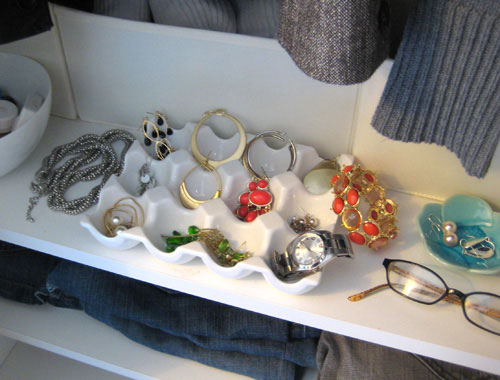 Two Ways To Store Jewelry