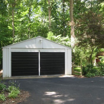 How To Paint A Metal Or Wood Garage Door