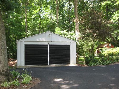 How To Paint A Metal Or Wood Garage Door