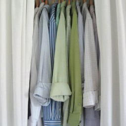 matching-hangers-in-closet-