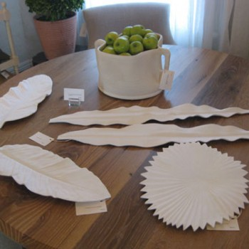 white-ceramic-leaf-platters