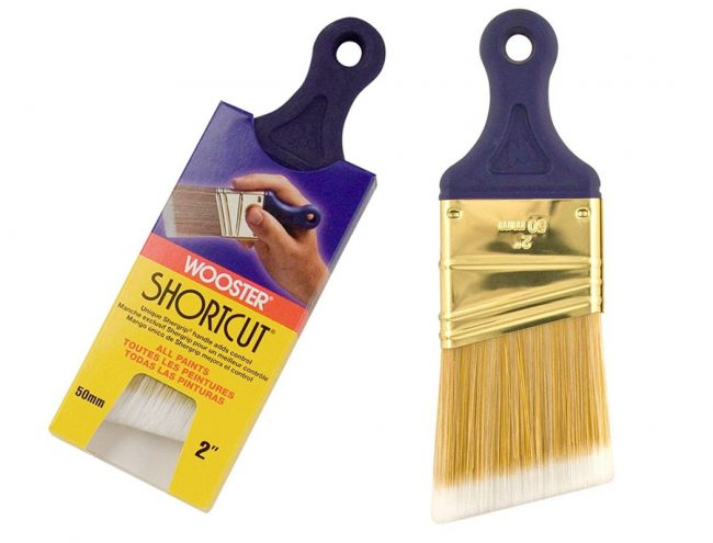 Wooster Shortcut 2 Angled Short Handed Paint Brush