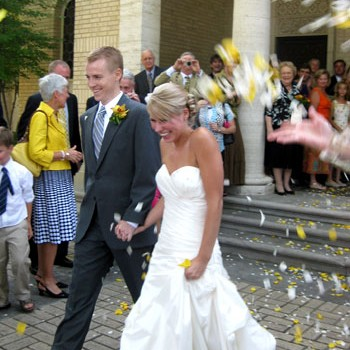 casey-wedding-petals