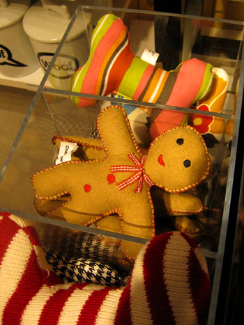 Christmas Window Shopping: Gift Ideas For Guys & Gals