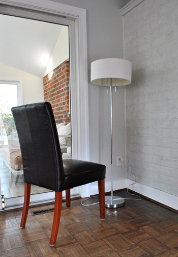 Sherry's Lamp-Watching Chair