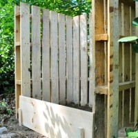 Making A Compost Bin From Pallets