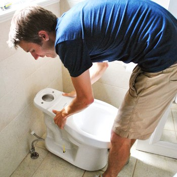 Toilet-10-John-Placing-New