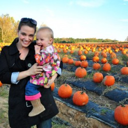 Pumpkin-Patch-With-Mommy