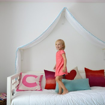 Making A Sweet & Simple Bed Canopy