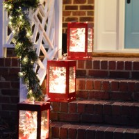 Outdoor Holiday Decorating (& The Easy Way To Hang Window Wreaths)