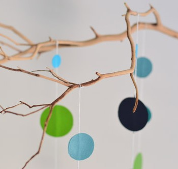 An Easy Handmade Nursery Mobile
