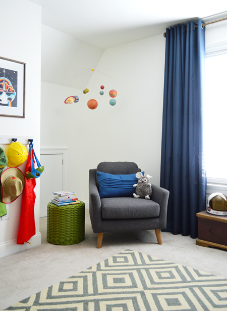 Boys Outer-Space-Bedroom-Reading-Corner