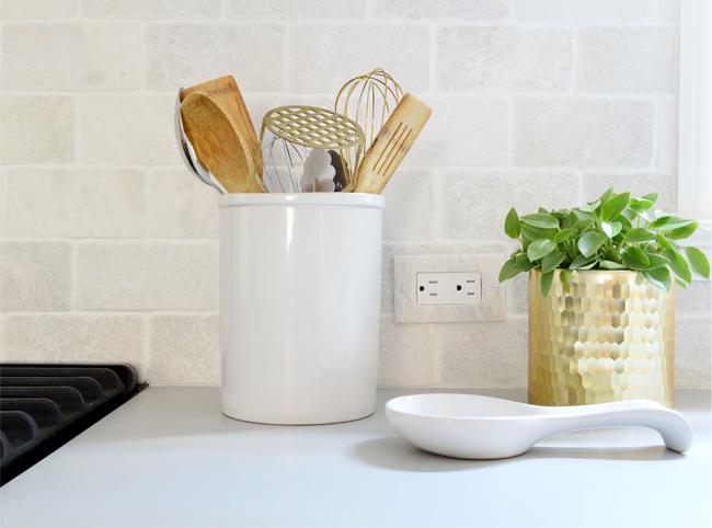 kitchen-remodel-final-sideways-switches