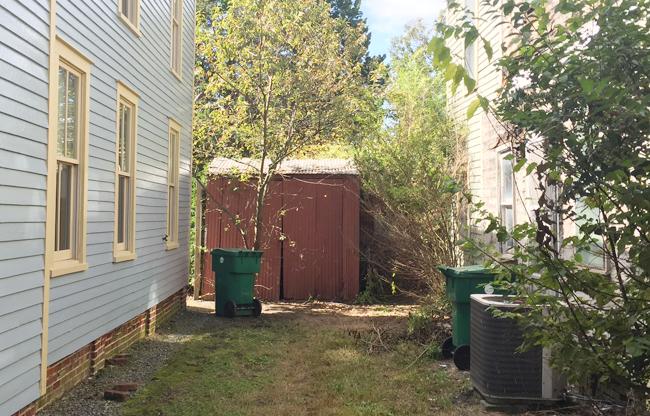 ep27-beach-house-shed-outside