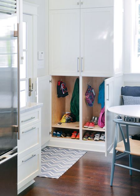 lovable-livable-home-hidden-mudroom