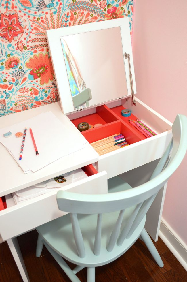 girls bedroom closet writing desk