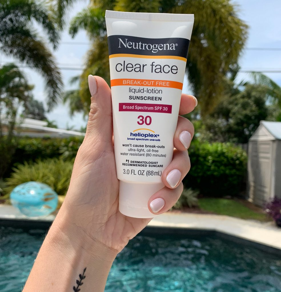 58b10b5b6 Sherry: My new go-to sunscreen for sensitive skin, Neutrogena Clear Face  Liquid-Lotion Sunscreen.