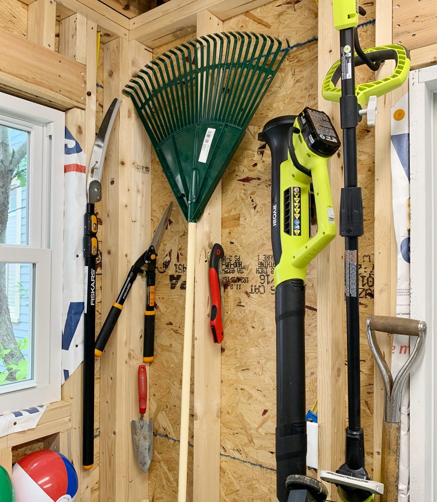 How We Organized Our Beach House Shed, How To Hang Things In A Garden Shed