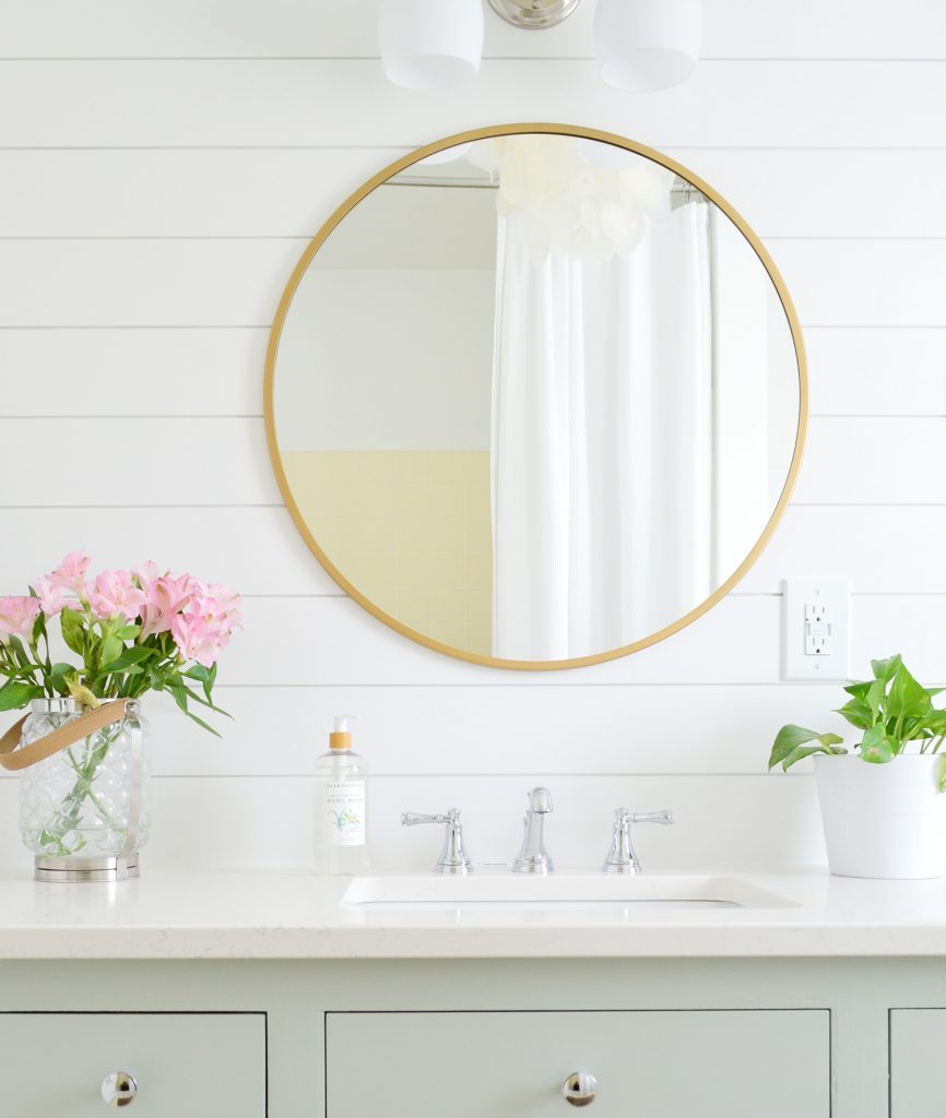 A Surprisingly Quick And Demo Free Hall Bathroom Makeover