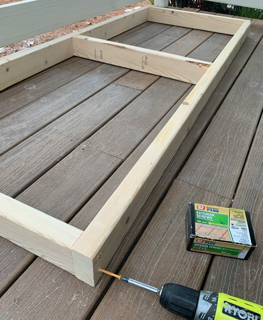 Screwing 2x4 wood frame together for hanging daybed