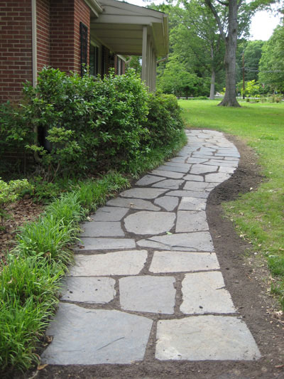 how to lay a slate walkway for instant cottage curb appeal. Black Bedroom Furniture Sets. Home Design Ideas