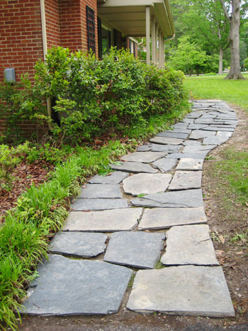 How to lay a slate walkway for instant cottage curb appeal - Front door walkways and paths ...