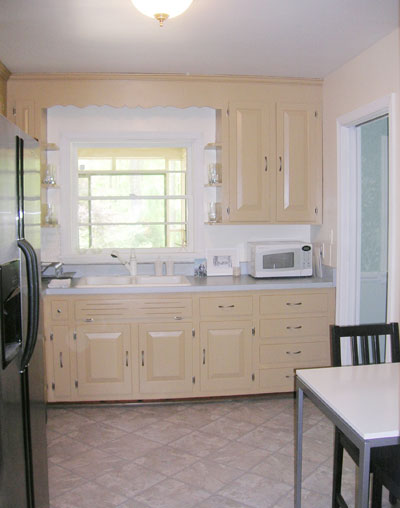 painted old kitchen cabinets painting your kitchen cabinets is easy just follow our 3998