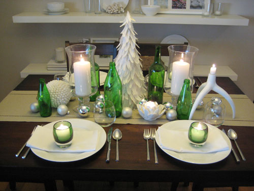 Set the table for christmas dinner with style this holiday for Christmas table place setting ideas