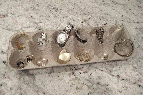 egg-carton-jewelry-sorter