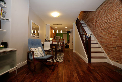 this baltimore rowhouse underwent a major makeover here are the stunning before afters. Black Bedroom Furniture Sets. Home Design Ideas