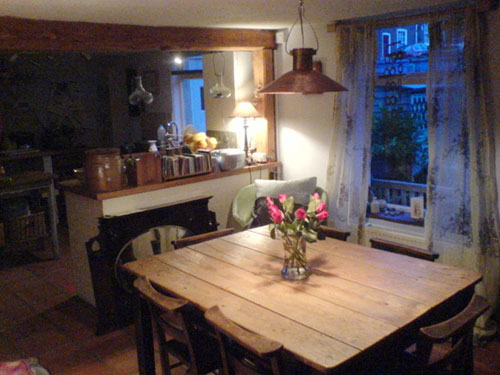 dining-room-charming-country-cottage