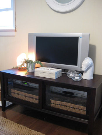 tv-stand-cabinet-media-stand-accessorized-accessories