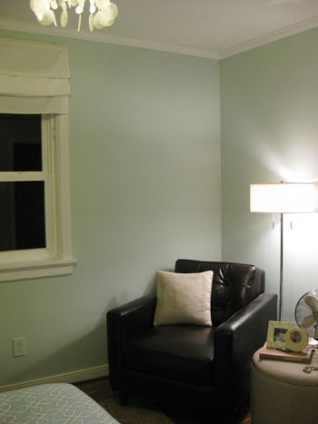 bedroom-before-the-sconce-hanging