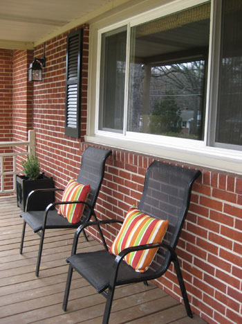 brick-house-porch-curb-appeal
