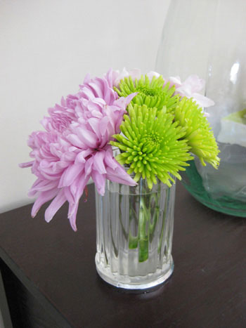 mums-flower-floral-arrangement
