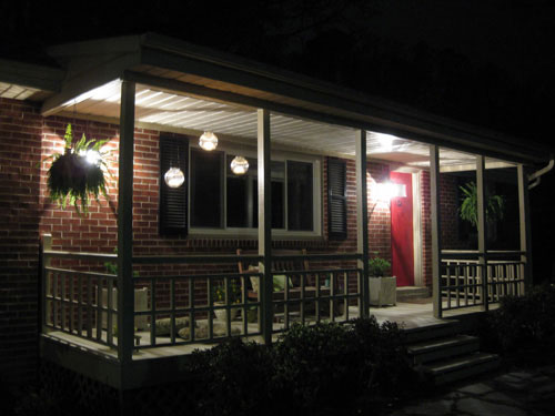 front-porch-makeover-at-night-diy-bhg-home-depot