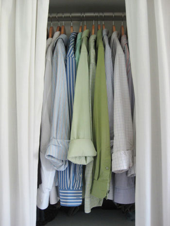 matching-hangers-in-closet-streamlined-organized-closet-makeover