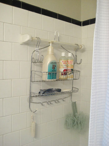 simplify-post-hanging-shower-storage