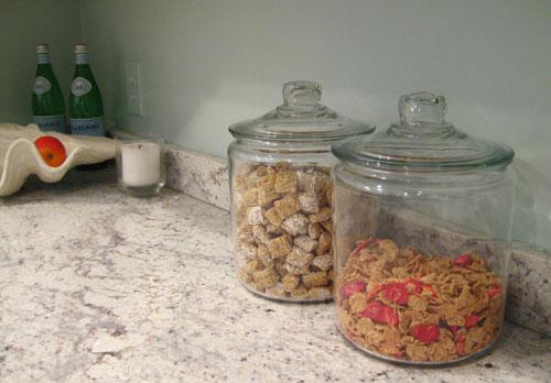 walmart-steal-of-the-week-glass-cereal-jar-storage