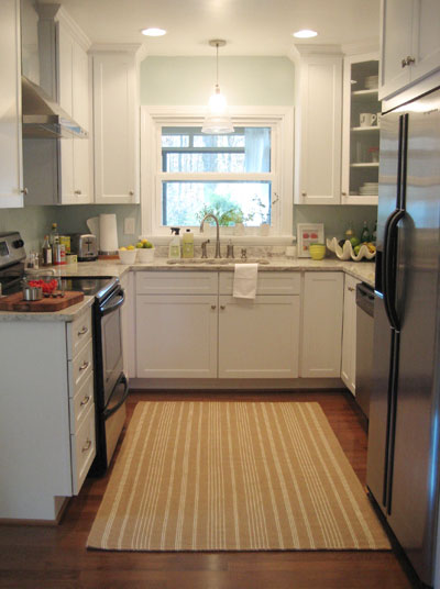 Tiny Home Designs: How To Warm Up A White Kitchen (& Add Personality)