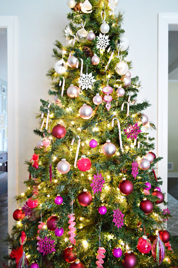 Wall Colour Inspiration: Holiday Decorating Idea: An Ombre Gradient Christmas Tree