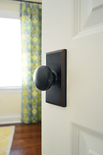 Updating interior doors by installing new doorknobs - Interior door handles and hinges ...
