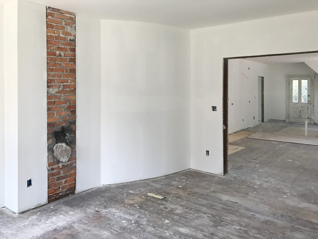 The beach house has drywall and it 39 s glorious young for Drywall designs living room