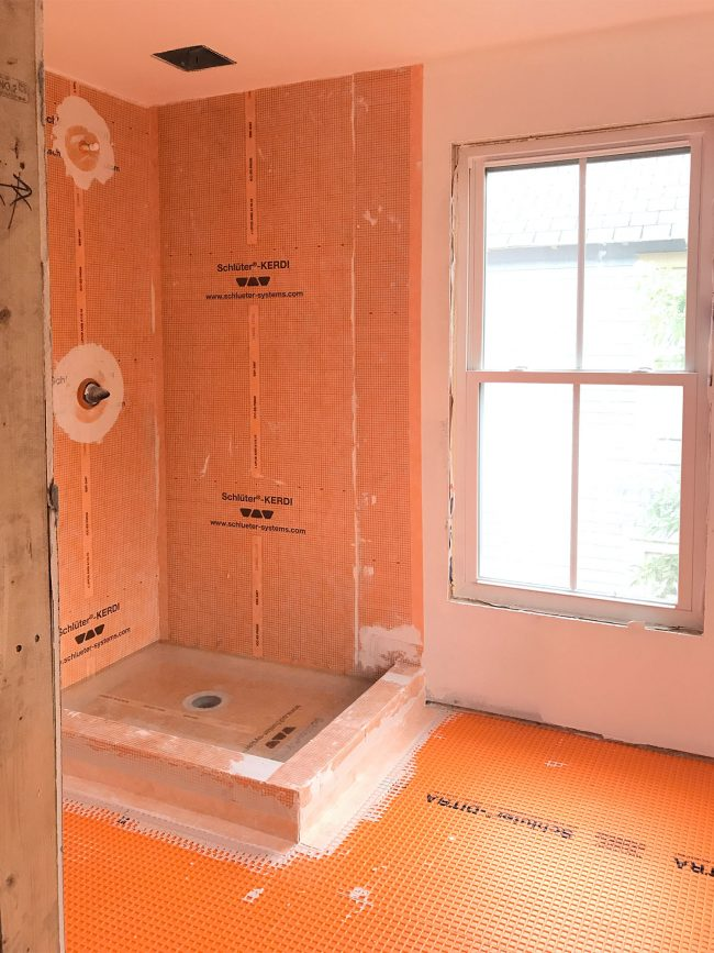 The beach house has drywall and it 39 s glorious young for Beach house master bathroom