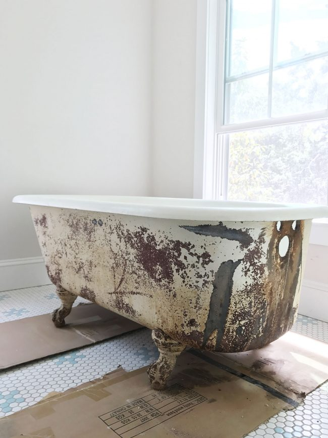 How To Refinish An Old Clawfoot Tub – PushUP24