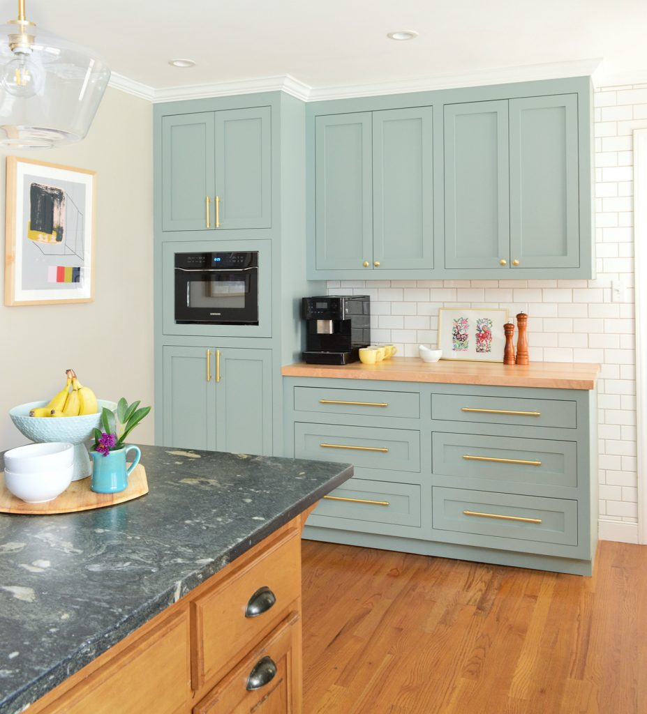 Blue Green Kitchen Cabinets: A Big Kitchen Makeover Created From Little Changes